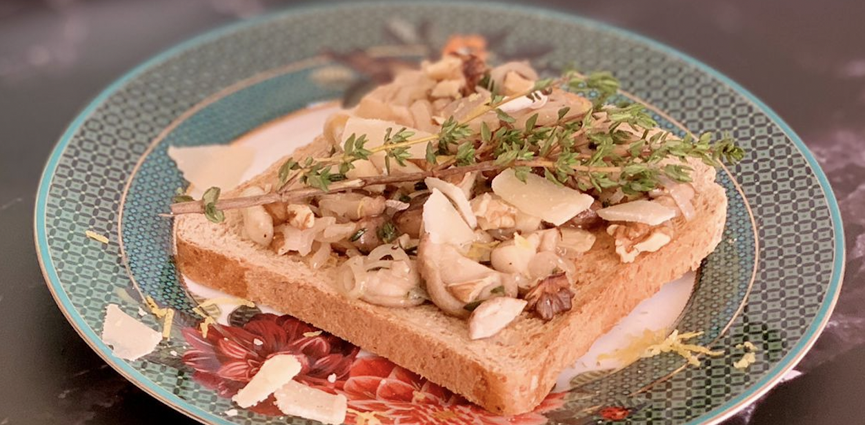 Toast met paddenstoelen