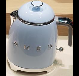smeg mini waterkoker pastelblauw