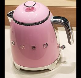 smeg mini waterkoker roze